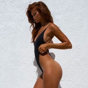 Bronze collection one piece in black Minimale